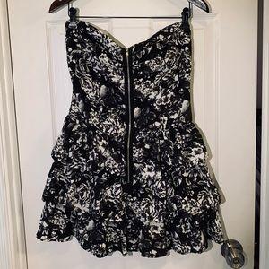 Beautiful mini dress 🖤🤍